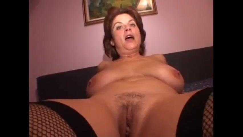 Sexy italian mom in lingerie cuckold gangbang