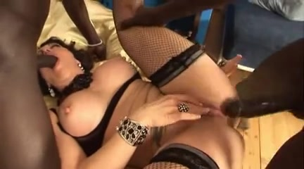 Super italian milf gets agressive bbc dp